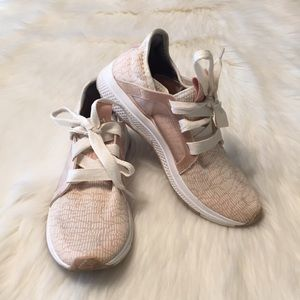 Adidas Edge Lux Bounce Size 7